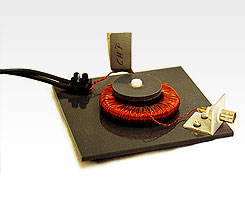Montageplatte für bewickelte Eisenringe